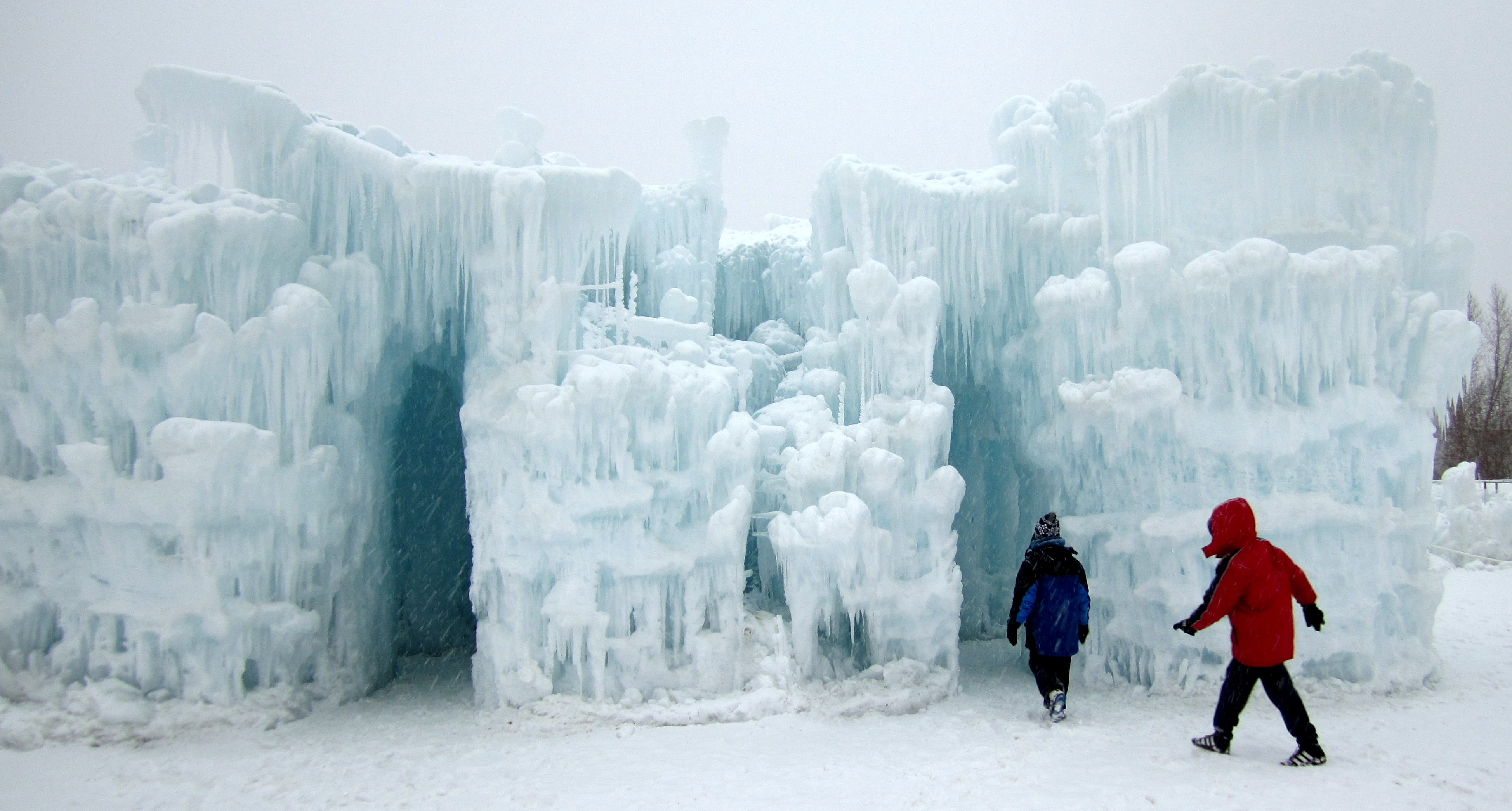 Morning Ice Castles 009