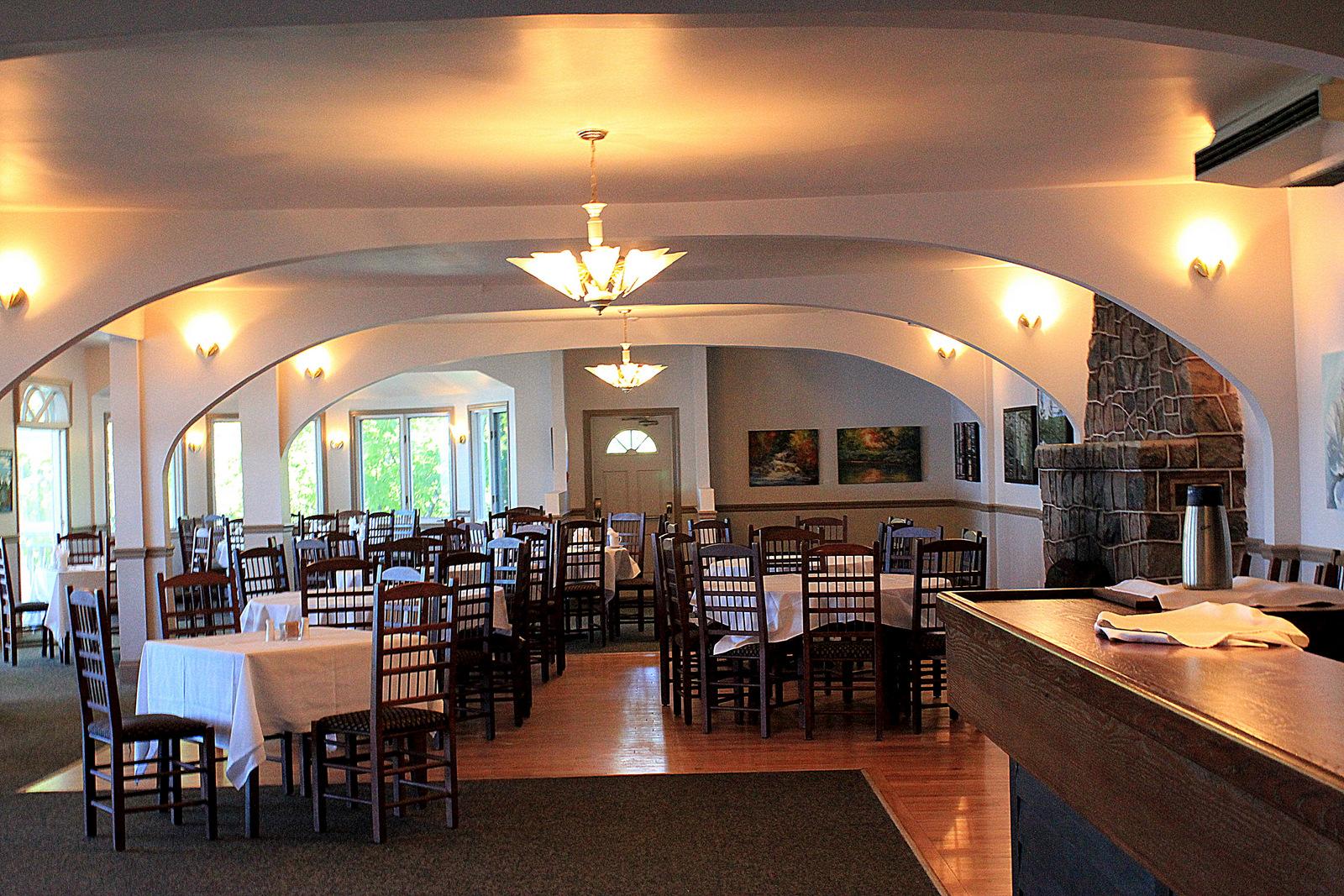 Viamede Dining Area